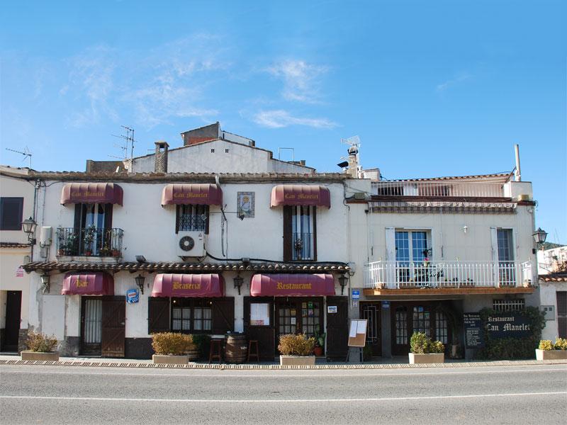 exterior restaurant a Canyelles Cal Manelet