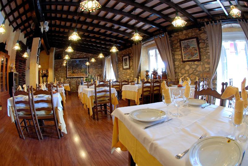 interior restaurant a Canyelles